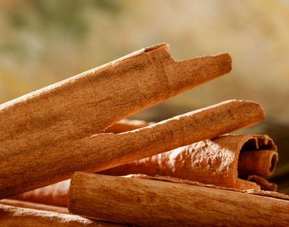 Aceite de Canela: ¿Para Qué Sirve? 10 Usos y Beneficios Naturales