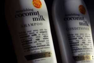 Aceite de coco en el champu